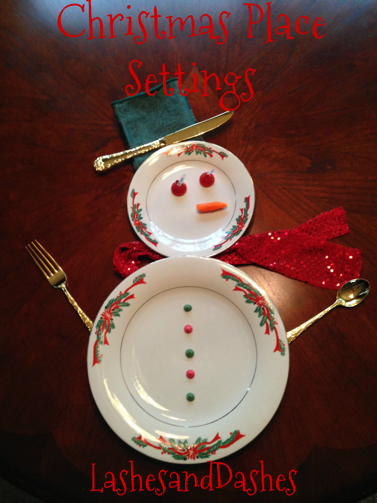 Christmas Place Settings table setting | lashes and dashes