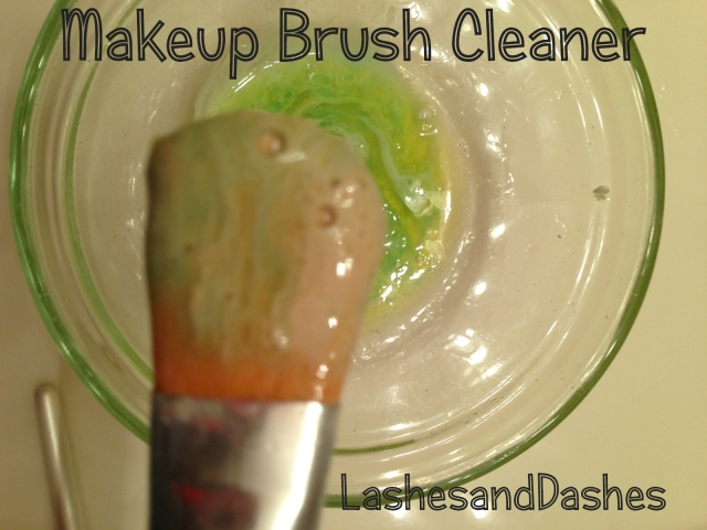 Makeup Brush Cleaner via LashesandDashes