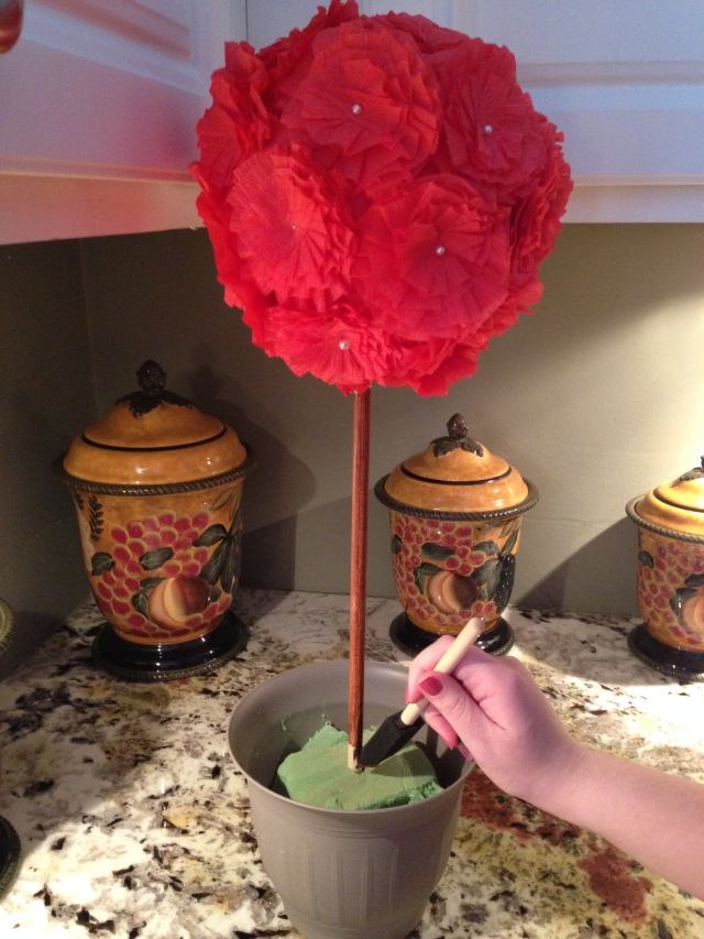 Topiary Tree DIY via LashesandDashes