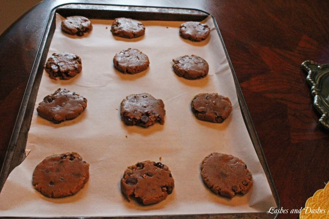 Cappuccino Chocolate Cookies via LashesandDashes